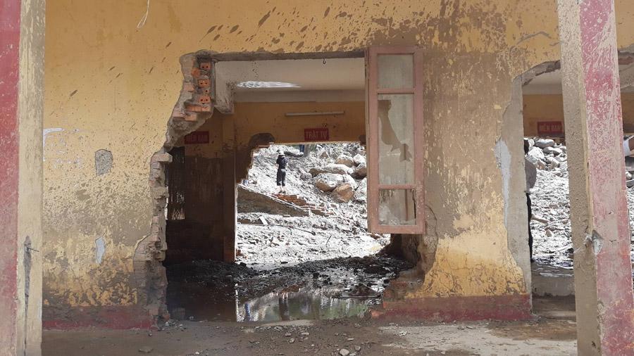 Trường học Mù Cang Chải tan hoang sau lũ quét 22