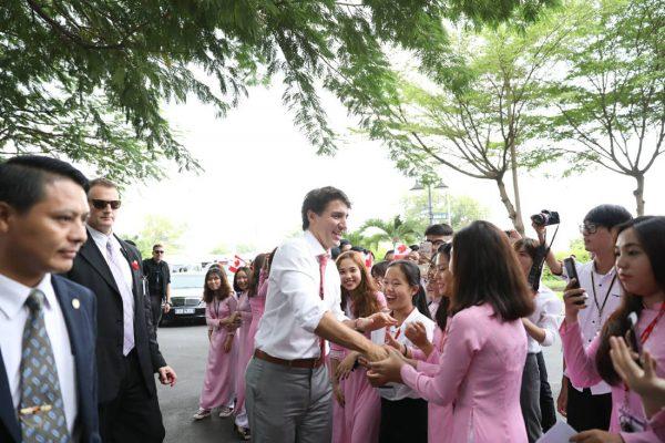 Thủ tướng Canada Justin Trudeau: 'Tôi từng mơ làm giáo viên' 10