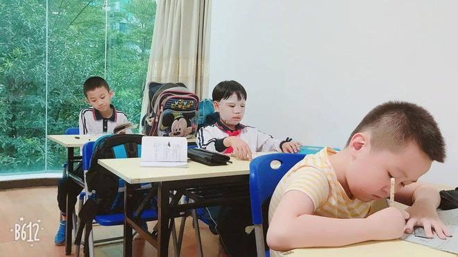 """Đến lớp cũng đắp mặt nạ, cậu bé này đã được cư dân mạng trìu mến gọi bằng nickname """"con trai của Phạm Băng Băng"""" 5"""