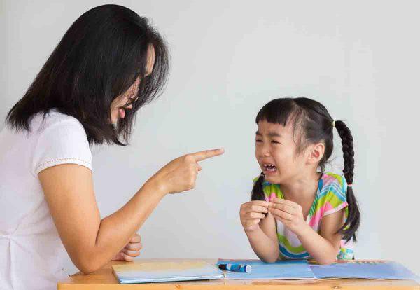 Khoa học cho thấy: Phần lớn thanh thiếu niên phạm tội đều có tuổi thơ bị cha mẹ 'bạo hành bằng lời nói' 1
