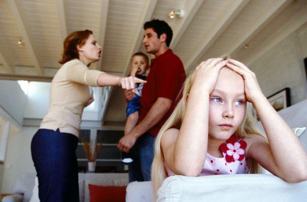 Khoa học cho thấy: Phần lớn thanh thiếu niên phạm tội đều có tuổi thơ bị cha mẹ 'bạo hành bằng lời nói' 3