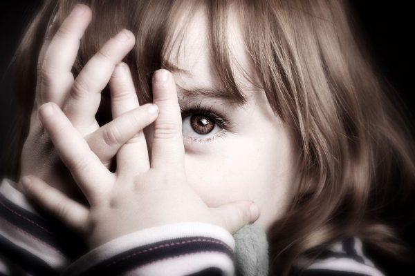 Khoa học cho thấy: Phần lớn thanh thiếu niên phạm tội đều có tuổi thơ bị cha mẹ 'bạo hành bằng lời nói' 4