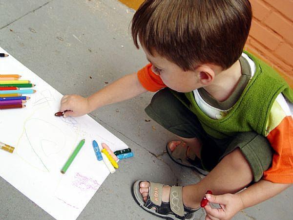Cách dạy trẻ tự kỷ tại nhà: 12 kỹ năng cha, mẹ cần có để trẻ sớm hòa đồng xã hội 1