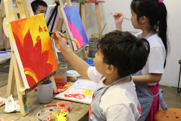 Lớp học vẽ cho bé ở Long Biên uy tín 13