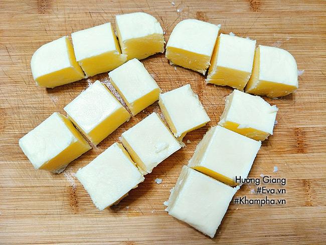 Cách làm bánh sữa tươi chiên giòn thơm ngon tưởng khó mà cực dễ 11